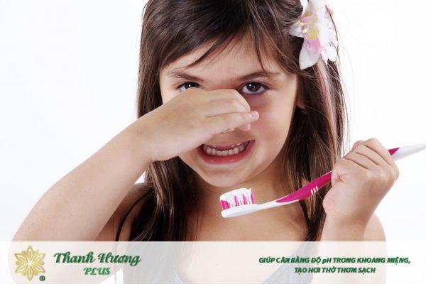 đánh răng ngừa hôi miệng