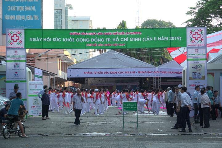 """Các hoạt động sôi nổi Ngày khai mạc """"sức khỏe Việt Nam"""