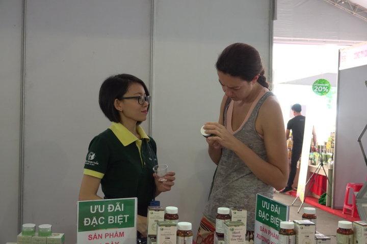 Người ngoài nước quan tâm sản phẩm thảo dược Việt Nam
