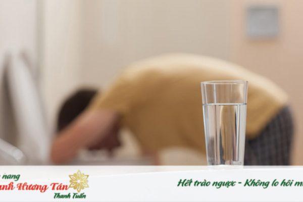 Bổ sung nước ngay nếu có triệu chứng buồn nôn khi thức dậy