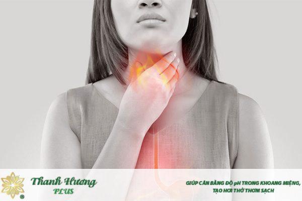 Trào ngược axit là nguyên nhân hàng đầu gây nóng cổ họng