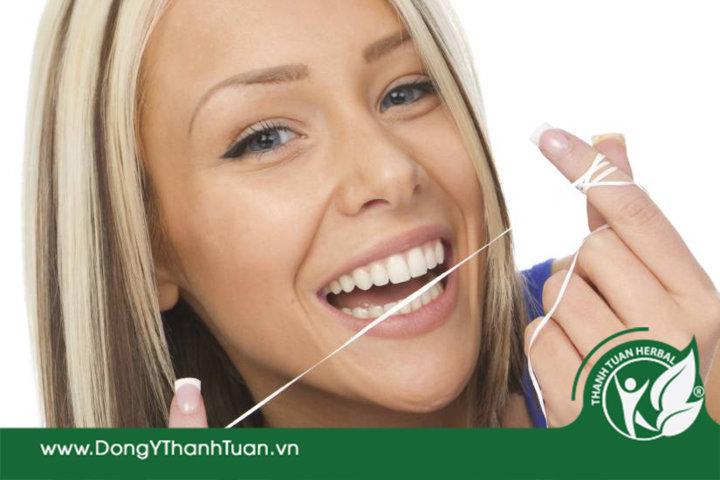 Chỉ nha khoa loại bỏ mảng bám và chống hôi miệng do sâu răng