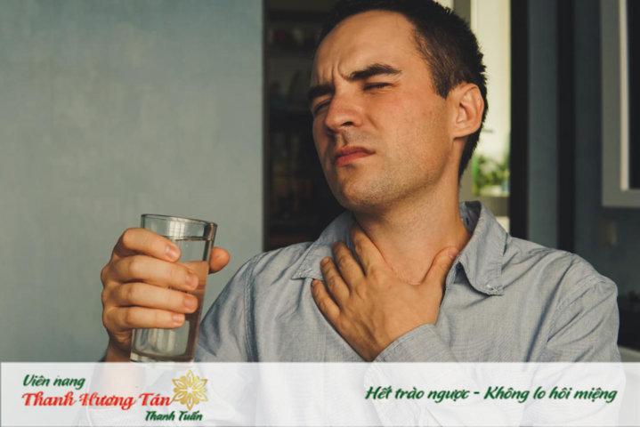 Nước có thể làm dịu cổ họng trong những trường hợp bị khô họng khi ngủ