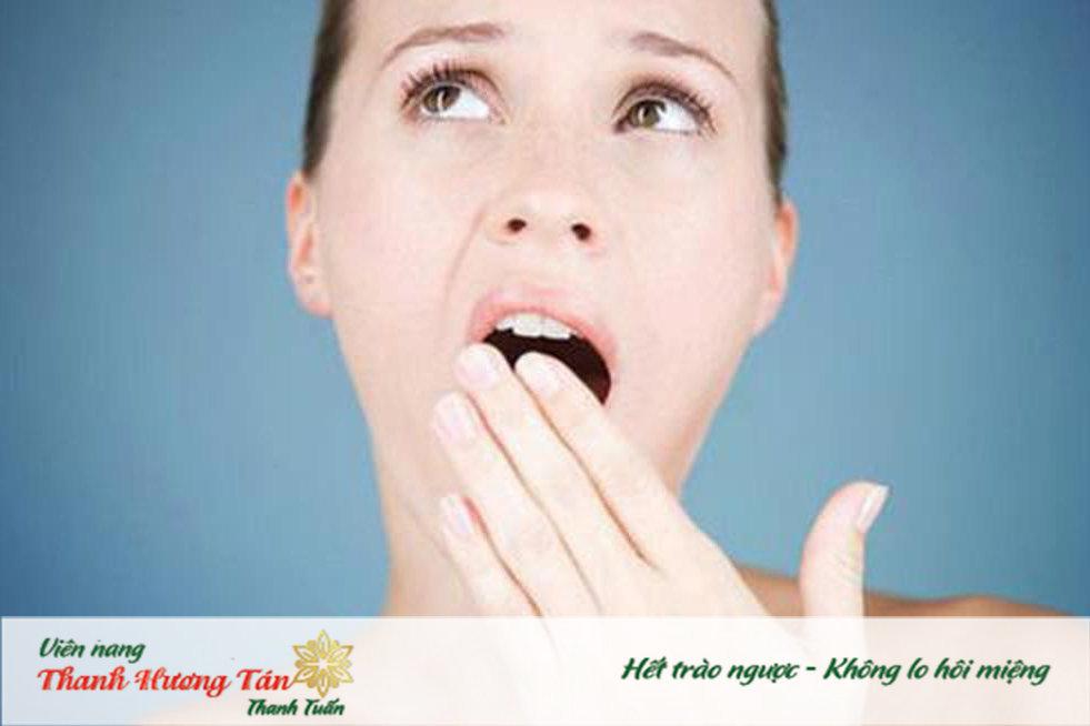 Khô miệng gây triệu chứng miệng bị đắng