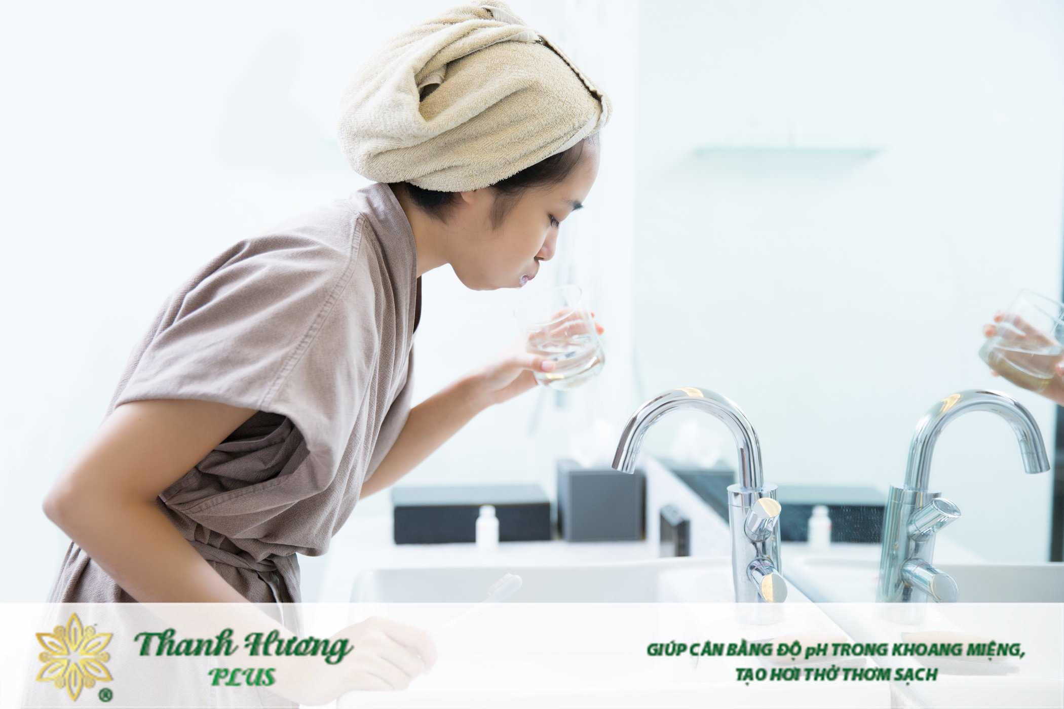 Súc miệng nước muối đúng cách sẽ cho hiệu quả tốt nhất