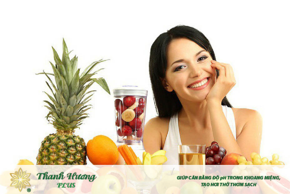 Ăn hoa quả tươi và nước ép trái cây giúp đánh bay tình trạng đắng miệng