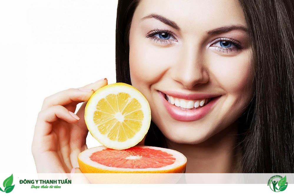 Ăn hoa quả giàu vitamin C giúp cải thiện đắng miệng chán ăn hiệu quả