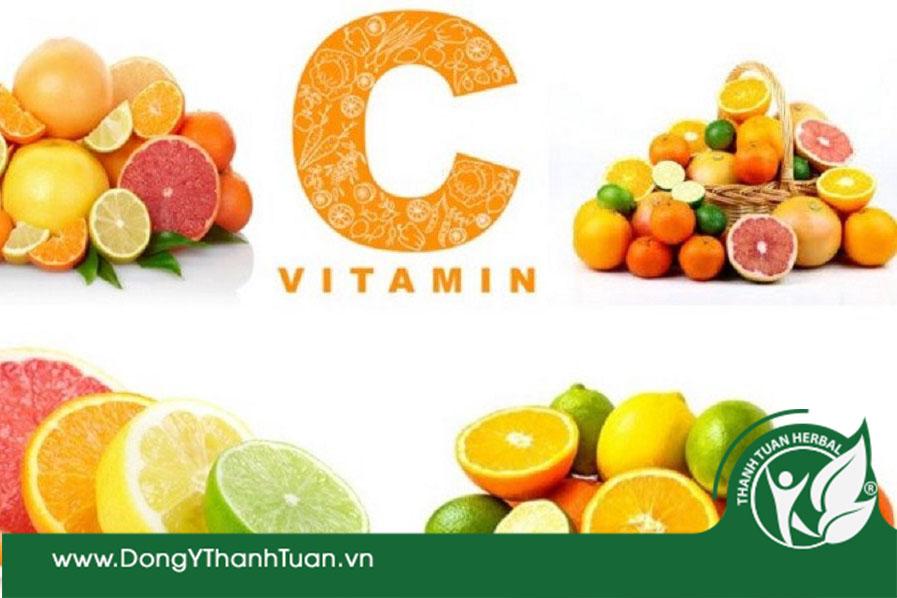 Ăn hoa quả giàu vitamin C giúp giảm đắng miệng hiệu quả
