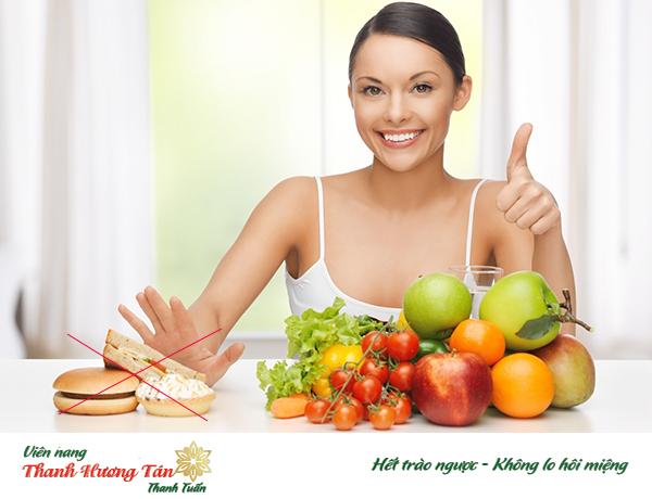 Chế độ ăn uống lành mạnh giúp cải thiện tình trạng đắng miệng